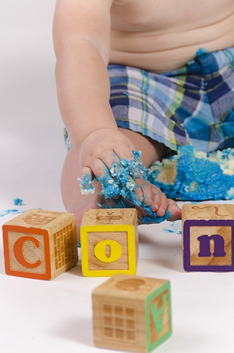 Chandler-Baby-Portrait-Photographer-Documents-First-Birthday-Smash-Cake-3