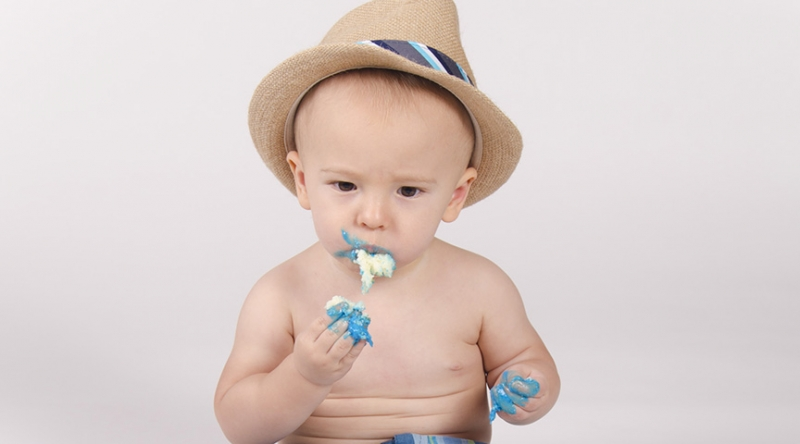 Chandler-Baby-Portrait-Photographer-Documents-First-Birthday-Smash-Cake-Featured-Image-1