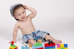Chandler-Baby-Portrait-Photographer-Documents-First-Birthday-Smash-Cake-2